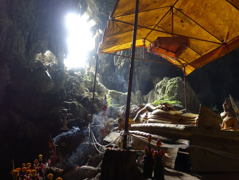 Tham Phu Kim cave