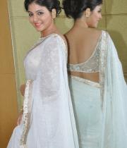 anjali-latest-stills-in-white-sari-01