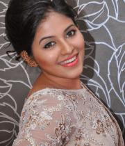 anjali-latest-stills-in-white-sari-02