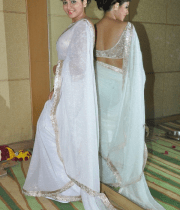 anjali-latest-stills-in-white-sari-15