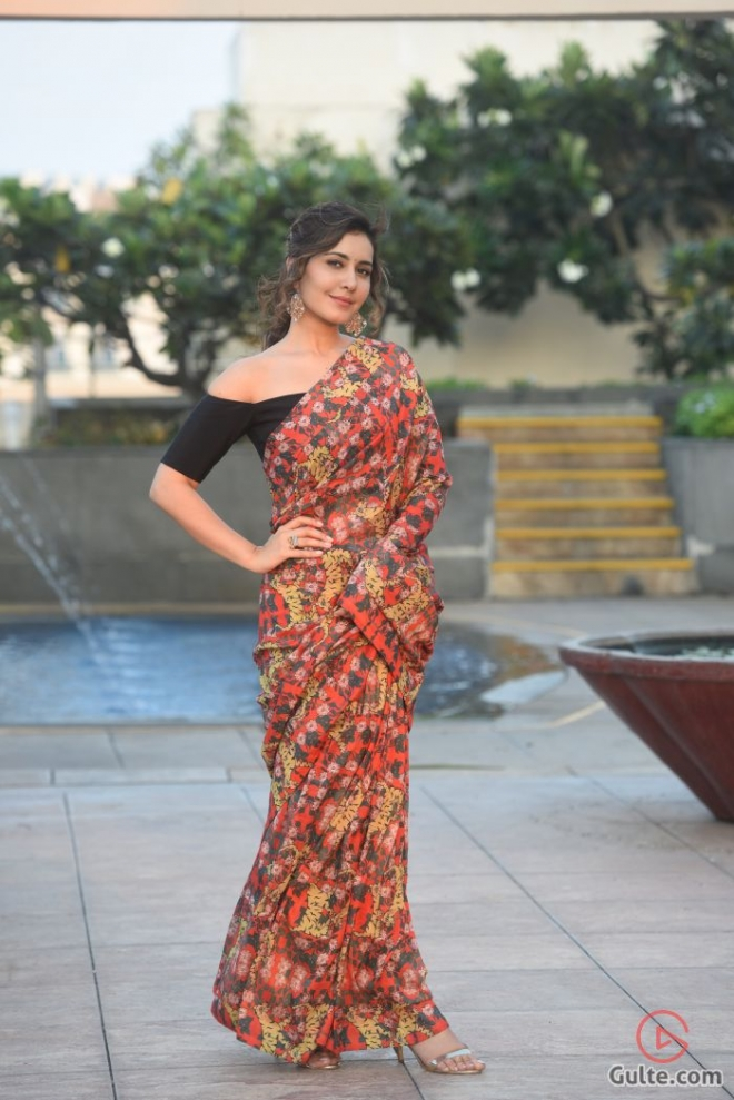 raashi-khanna-new-pictures_10