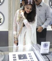 sneha-at-malabar-gold-collections-5