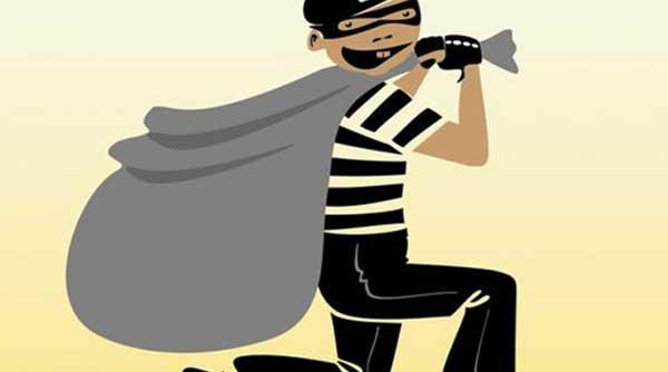 Thief on corona patient house
