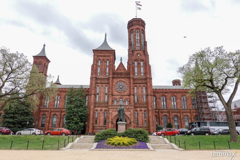 เที่ยว Washington DC, Smithsonian Castle