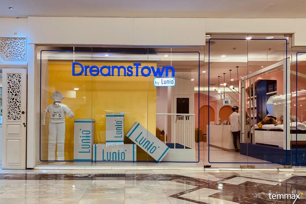 สรุปสุดท้ายมาลงตัวที่ ที่นอนยางพารา Lunio หน้าร้าน Dreamstown