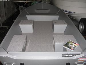 Alumacraft V 14 Floor