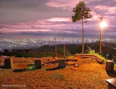Wisata Sunset Bukit Moko Bandung