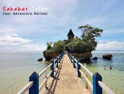 Pantai Balekambang Jawa Timur