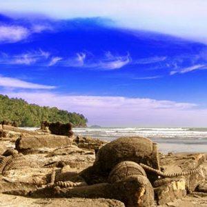 Pantai Aie Manih Malin Kundang