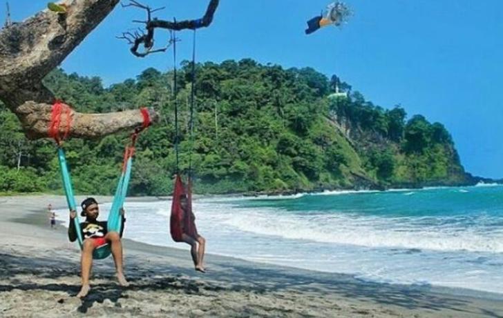 Destinasi Wisata Alam Pantai Cilacap Jawa Tengah