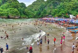 Destinasi Wisata Pantai Baron Yogyakarta