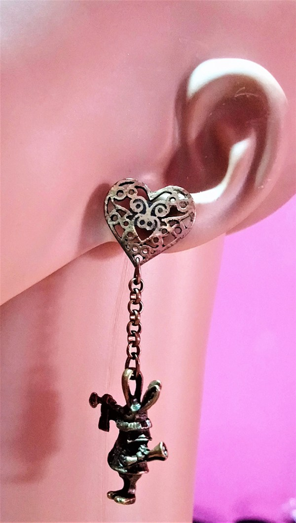 Gold wonderland 3D rabbit and heart earrings