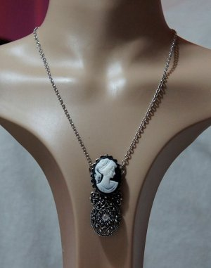 Gothic Lolita twin lady and filigree cameo necklace
