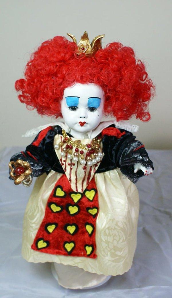 Alice in Wonderland Queen of hearts doll (Tim Burton style)