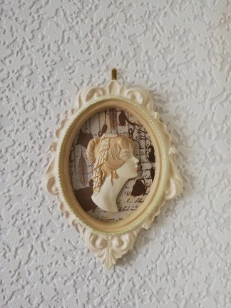 Victorian Alice inspired lady cameo wall plaque