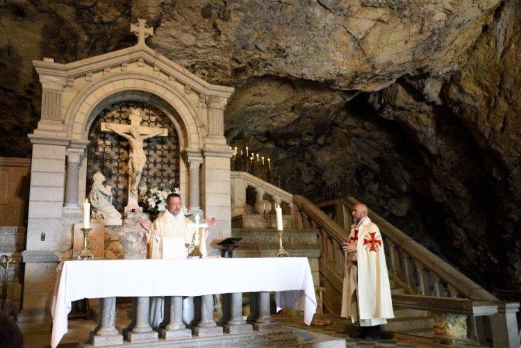 Retraite spirituelle de la sainte baume le 30 et 31 for Garage santamaria saint maximin