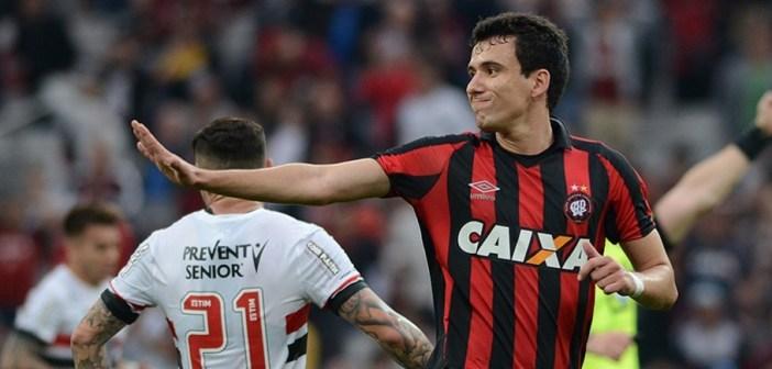 """Com números positivos, Atlético Paranaense conta com o retorno do artilheiro Pablo para confronto contra o São Paulo: """"Feliz pelo momento e pelos gols"""""""