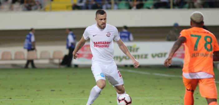 Presente nas dez últimas rodadas do Campeonato Turco, Chico vibra com boa fase do Antalyaspor