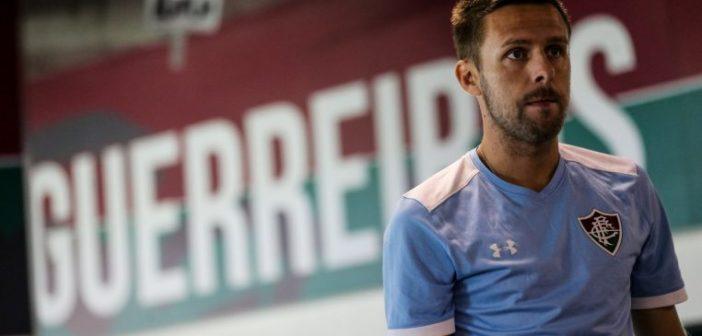 Ansiedade e responsabilidade grande: Ezequiel projeta estreia pelo Fluminense