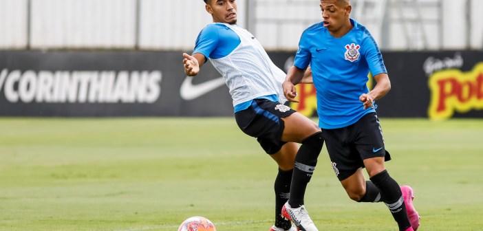 Promessa das categorias de base, atacante Richard elogia treinos online no Corinthians
