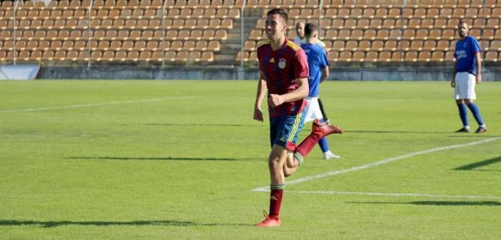 Ex-Athletico Paranaense, atacante Gabriel Morais comemora primeiro gol na Europa
