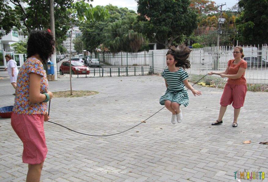 15 brincadeiras para a criança agitada - corda