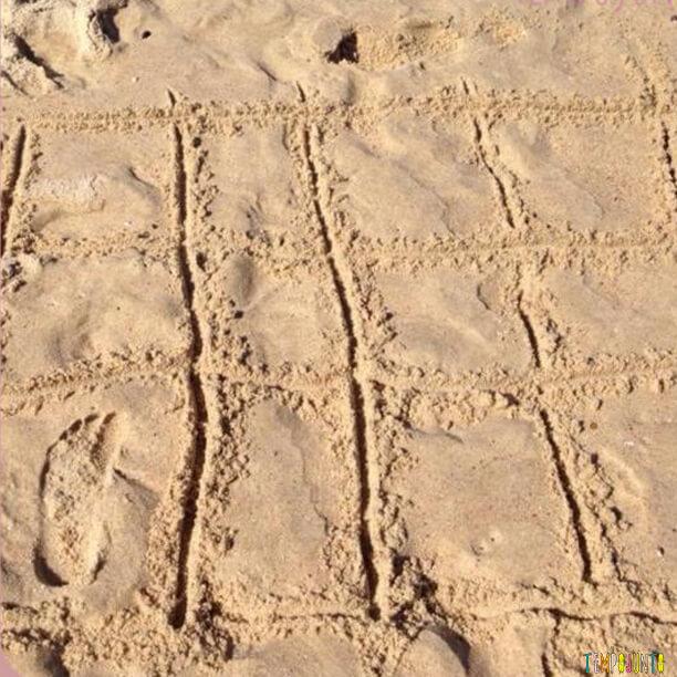 Jogo da memória na praia