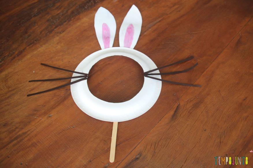 Como fazer em casa uma máscara de coelho - máscara pronta