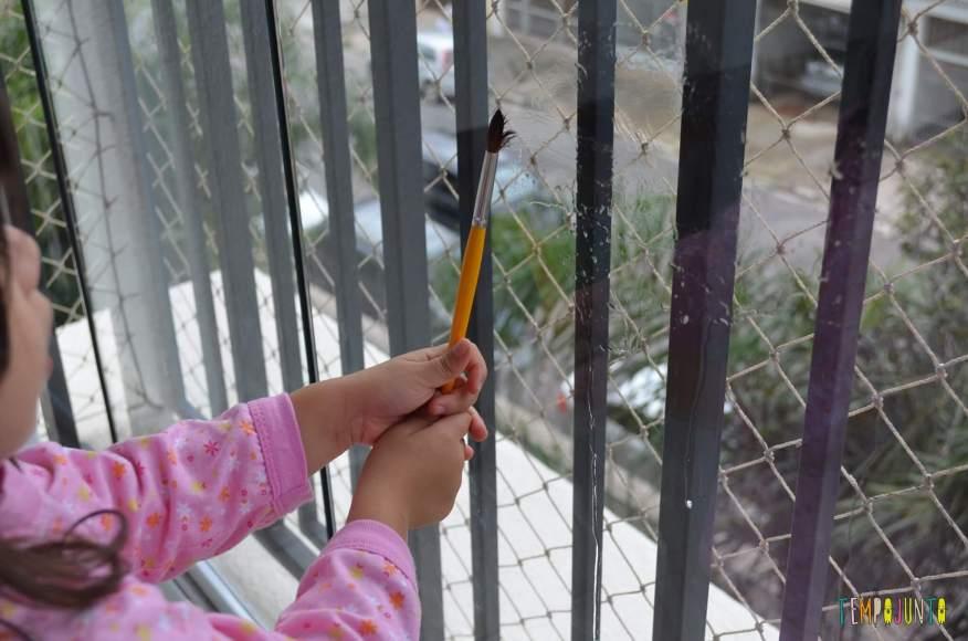 distrair seu filho por uns minutinhos - pintura com agua
