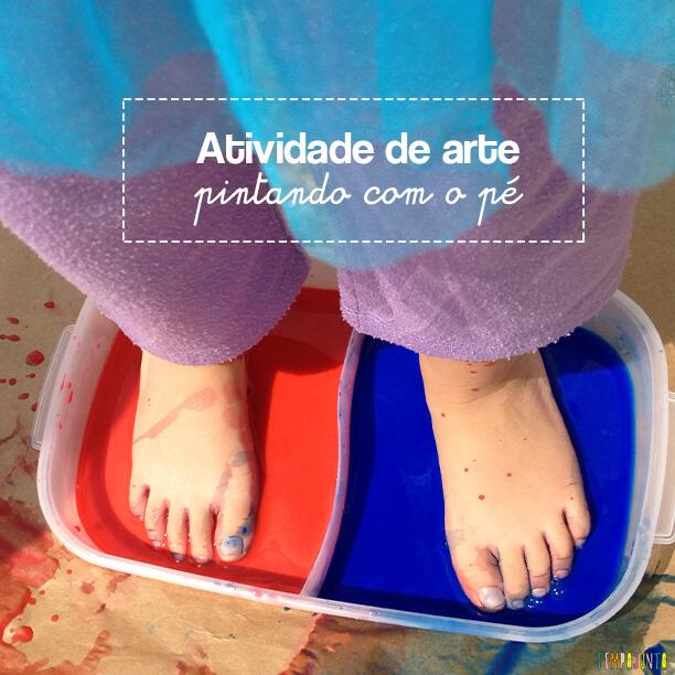 Vamos colocar os pés para pintar com tinta de dedo