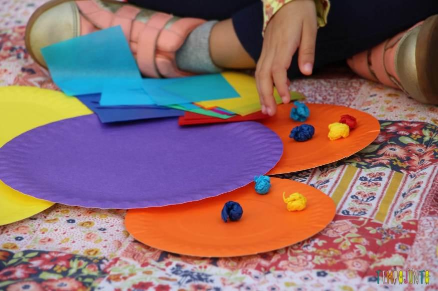 10 ideas criativas para fazer bichinhos com as crianças - fazendo borboleta