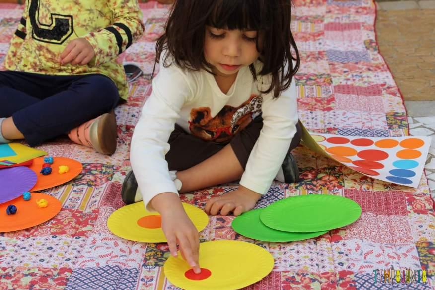 10 ideas criativas para fazer bichinhos com as crianças - fazendo centopeia