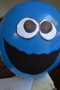 10 maneiras criativas de brincar de monstro -monstro de bexiga