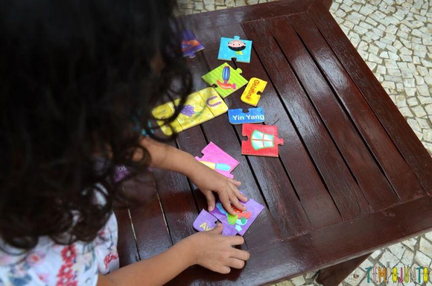 brincar com seu filho para aprender novas palavras - sofia brincando 1