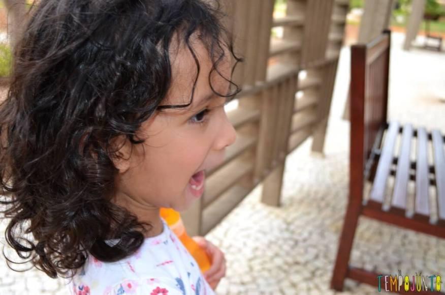 brincar com seu filho para aprender novas palavras - sofia falando