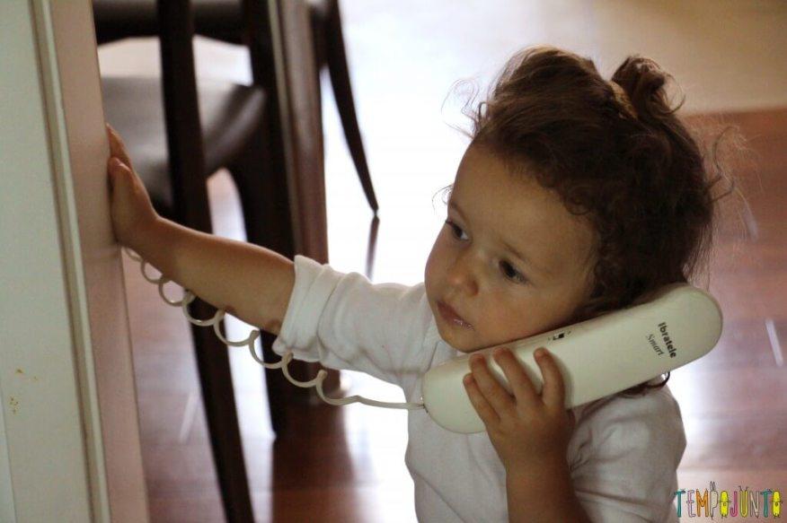 Quando começa a brincadeira de faz de conta - gabi falando no interfone