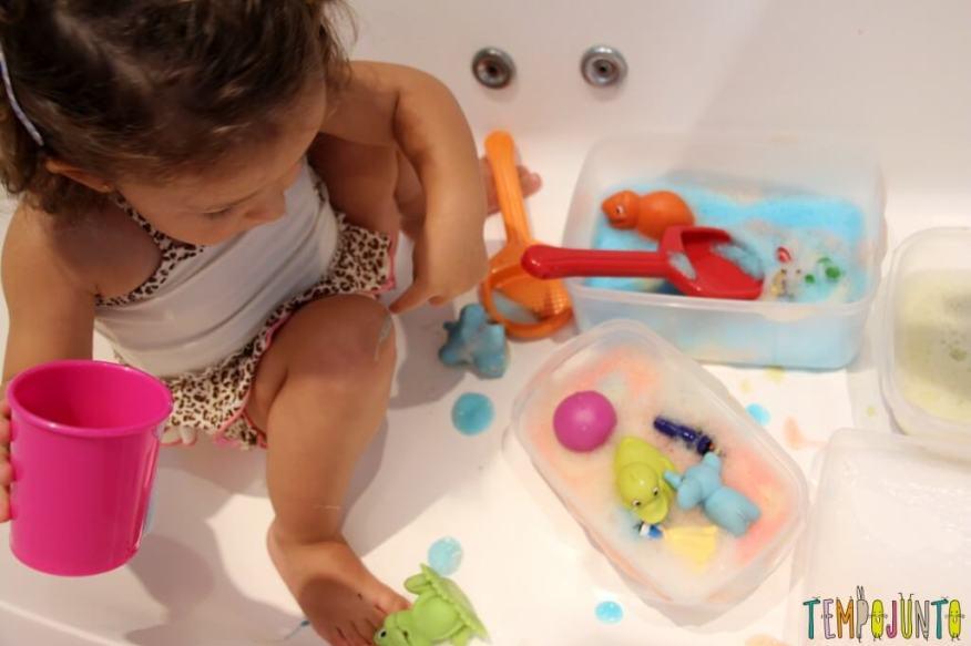 Qual foi a última brincadeira diferente que você fez com seus filhos - gabi com espuma na perna