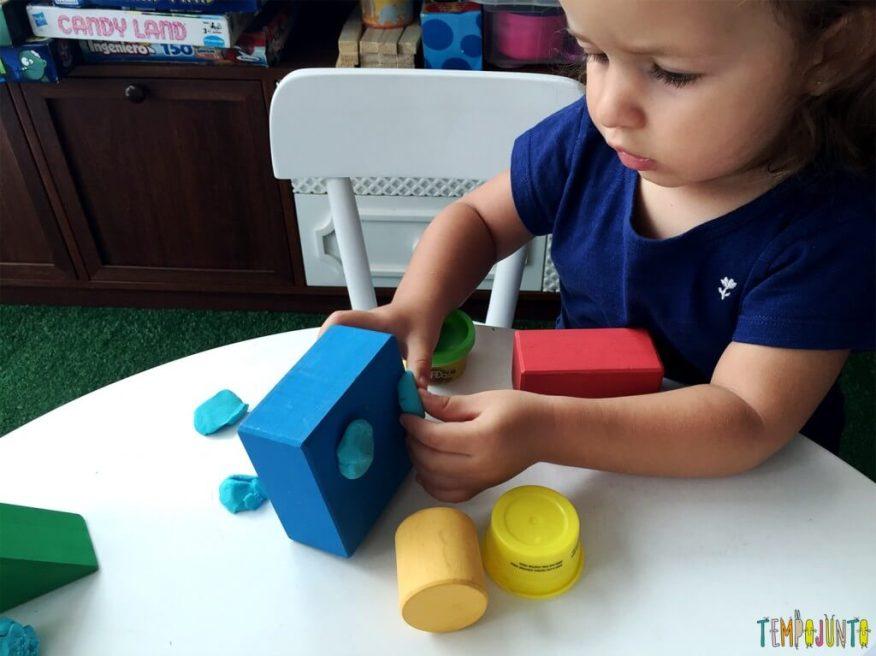 Brincadeira para crianças de 2 anos - gabi fazendo o carrinho