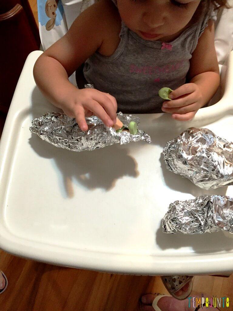 Como estimular a concentração dos filhos - gabi desembrulhando a ana 1