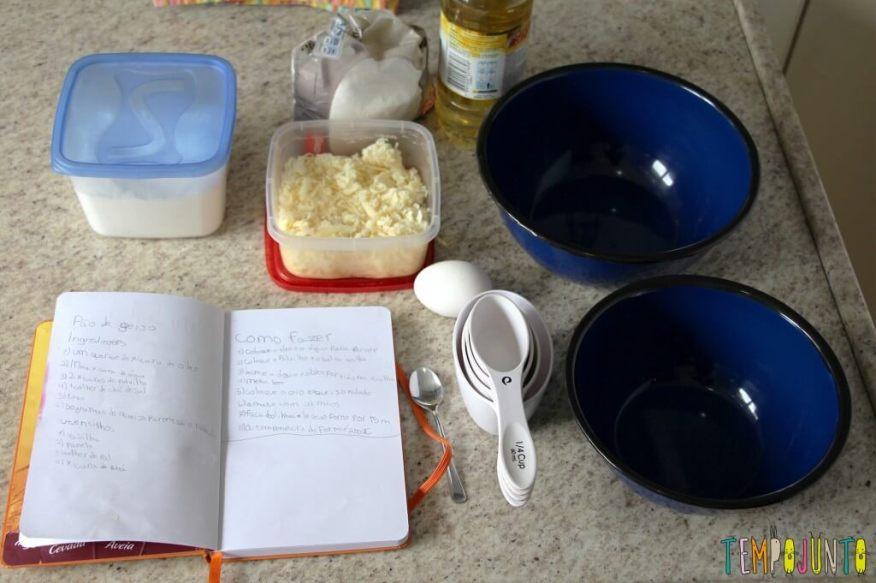 Receita de pão de queijo para fazer com as crianças - ingredientes