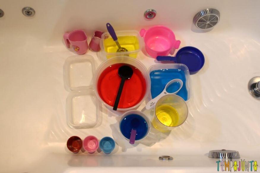 Uma atividade com água colorida que vai fazer a alegria dos pequenos - cantinho