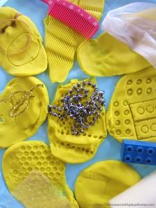 10 maneiras de brincar de massinha - texturas