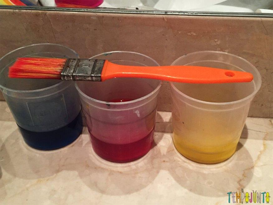 Cores para animar a brincadeira na hora do banho - tintas prontas