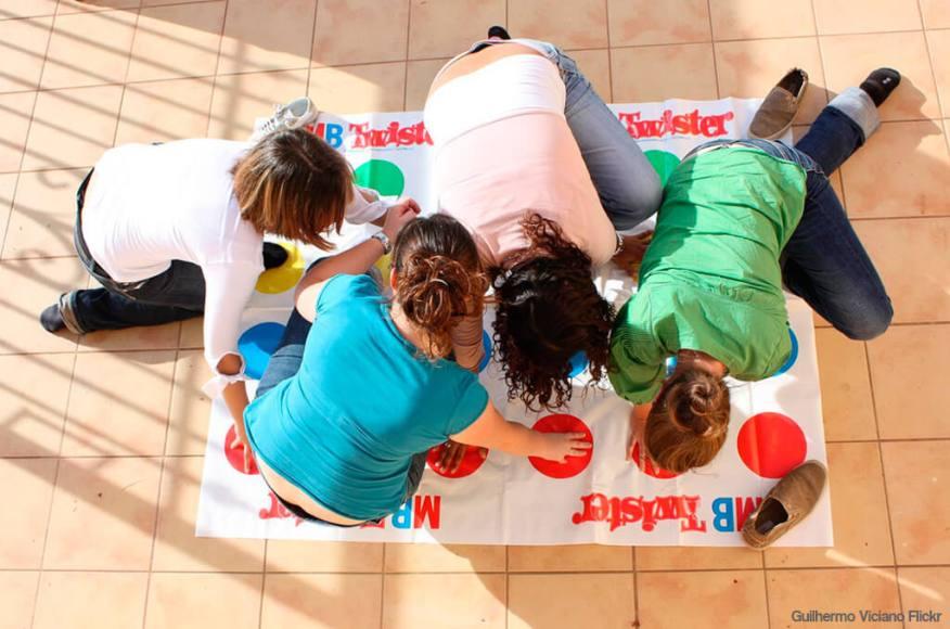 Faça em casa o jogo do Twister - exemplo twister