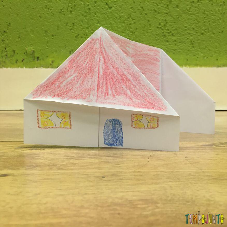 Brincadeira de origami - casinha decorada