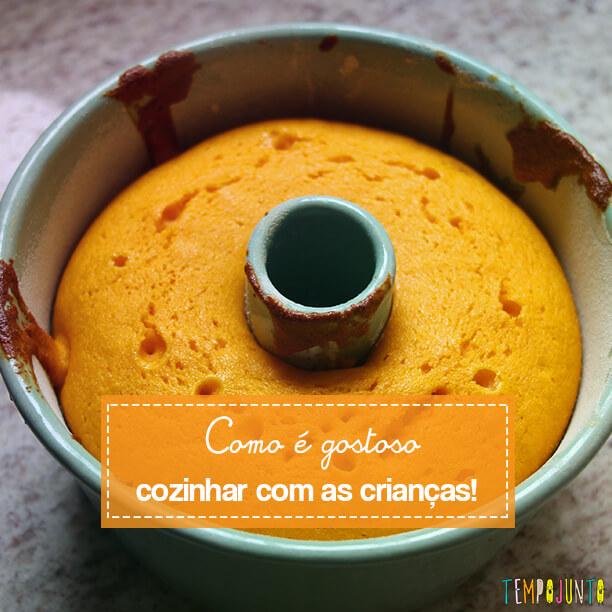 Bolo de Cenoura no Tempojunto na Cozinha