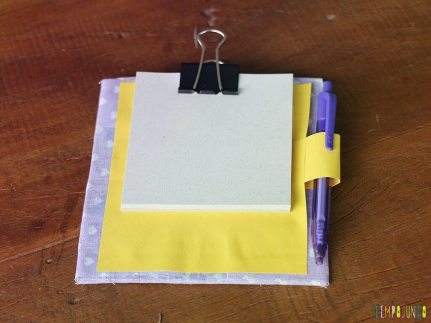 Mais uma sugestao de presente de final de ano_IMG_7439_Folhas fixadas no porta notas