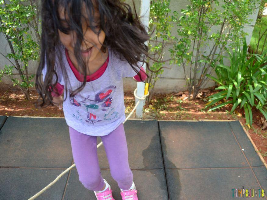 Pular corda para reforcar o vInculo com seus filhos_SOFIA_PULANDO