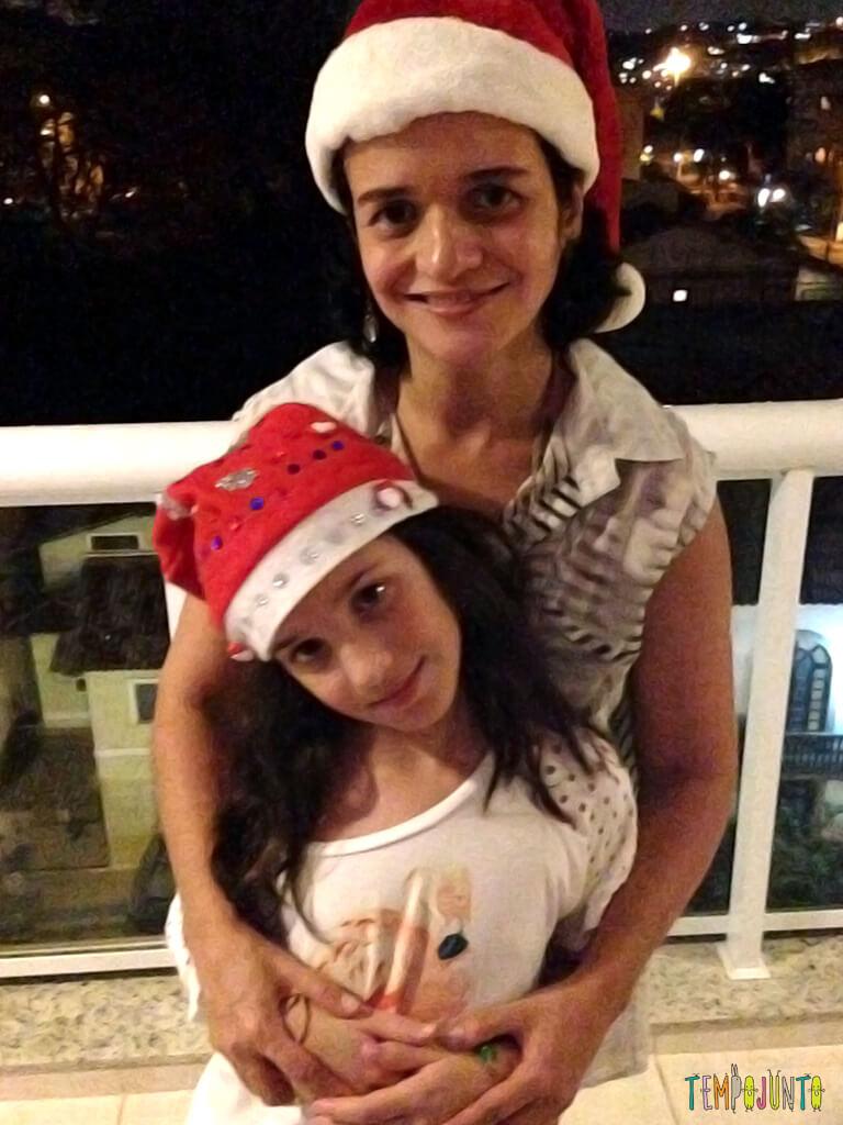 As tradições de Natal do Tempojunto_22.13.14_patmarinho-abracando-a-carol