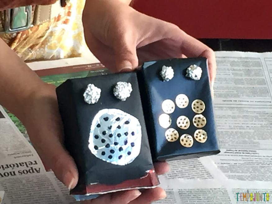 Um brinquedo de sucata cheio de possibilidades criativas_depois-de-colar-aluminio